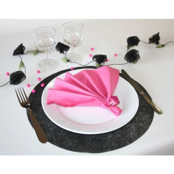 Set de table papier intiss noir rond 34cm x50 badaboum for Set de table rouge rond