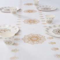 Chemin de table oriental Or