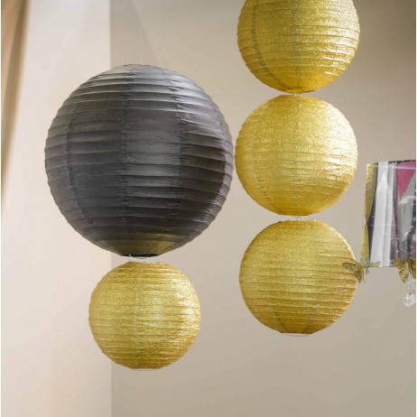 suspension boule en papier lampion noir 50 cm deco salle badaboum. Black Bedroom Furniture Sets. Home Design Ideas