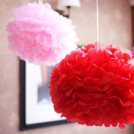 boule pompon papier de soie rouge 25cm deco mariage badaboum. Black Bedroom Furniture Sets. Home Design Ideas