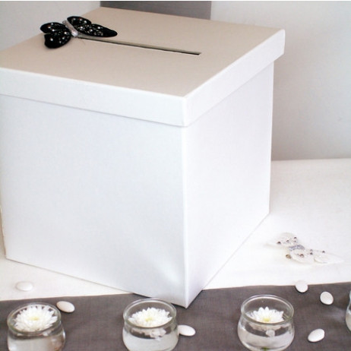 urne mariage blanche carr tirelire mariage pas cher badaboum. Black Bedroom Furniture Sets. Home Design Ideas