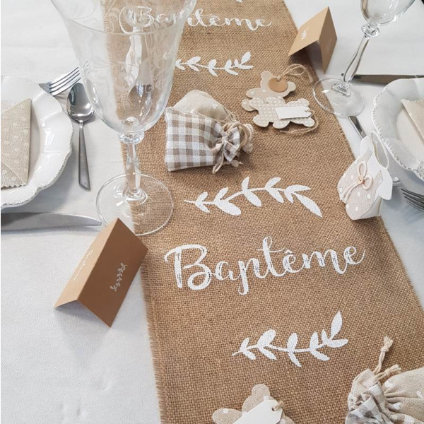 chemin de table en jute bapt me decoration mariage badaboum. Black Bedroom Furniture Sets. Home Design Ideas