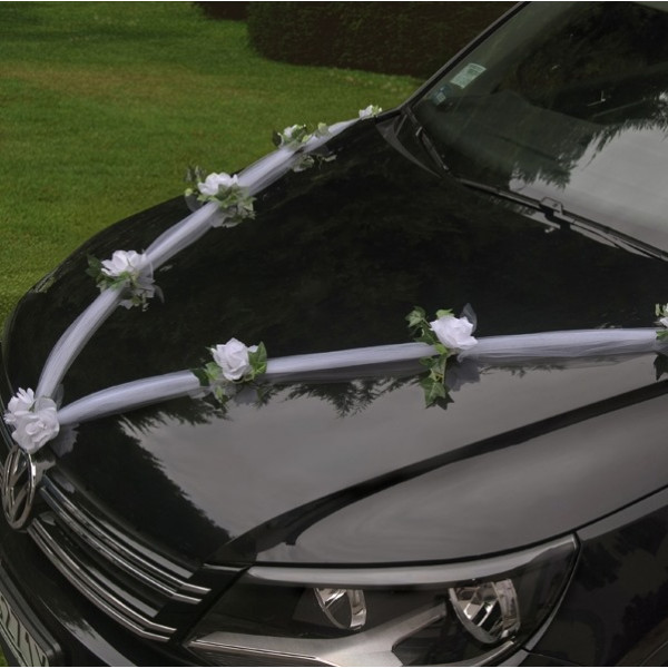 guirlande de tulle pour decoration de voiture mariage badaboum. Black Bedroom Furniture Sets. Home Design Ideas
