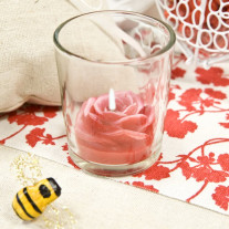Bougeoir avec bougie forme rose Rouge