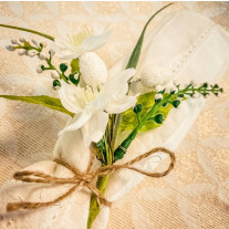 Mini bouquet de primeveres blanches